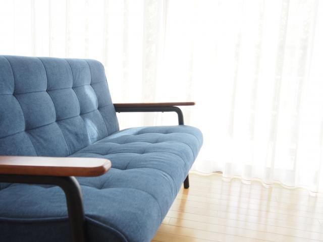 ソファーの処分方法4選|費用と手間をかけない捨て方とは