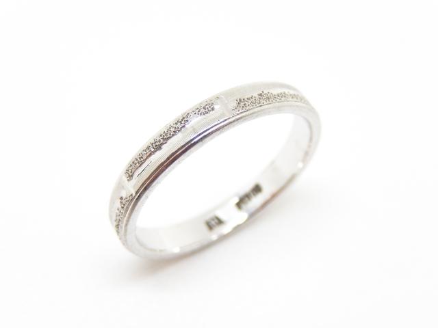 プラチナの結婚指輪は品位と重量で決まる
