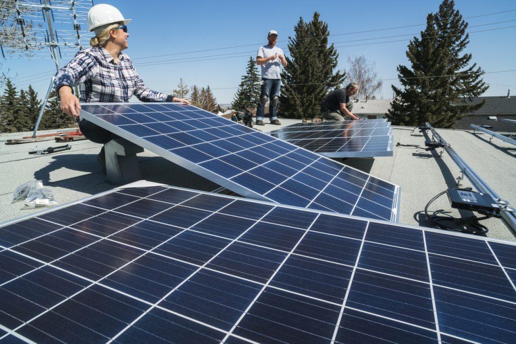 遊休地活用で売電目的の太陽光発電はリスクが高い